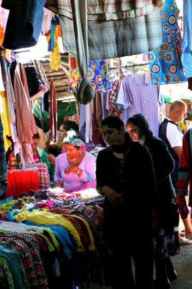 Quatre Bornes textile market