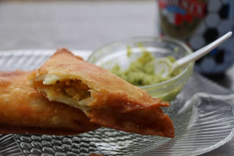 Golden fish samoosas