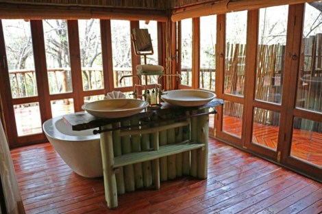 Bathroom with porch outside